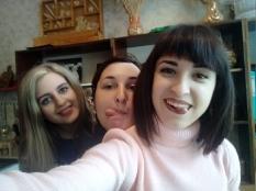 А это мы - Вика,Юля,Лена.